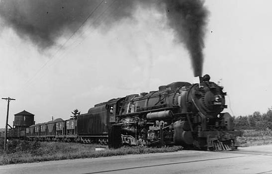 Chicago and North Western Historical Society - Steam Engine Hauls Freight