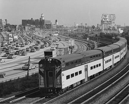 Chicago and North Western Historical Society - Chicago and North Western Train Nears North Ave Yard