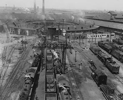 Chicago and North Western Historical Society - Chicago and North Western Train Yard - 1933