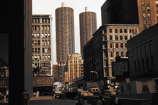 Peter Potter - Chicago Downtown View - Marina City