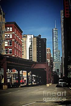 Frank J Casella - Chicago L Between the Walls