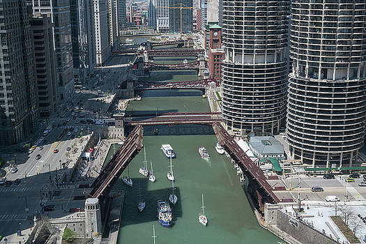 Chicago River Bridgelift by Steve Gadomski