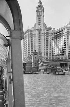 Chicago and North Western Historical Society - Chicago River By Boat - 1962