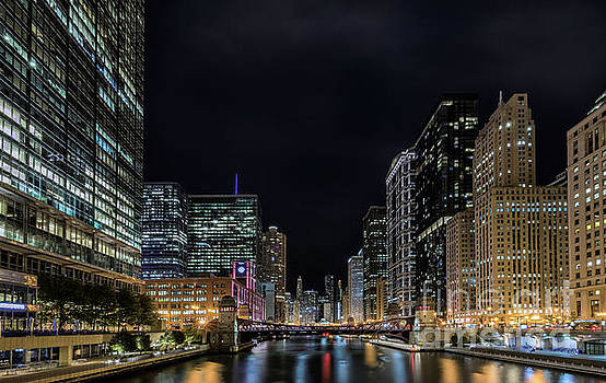 Chicago River - Chicago, IL by Demi Buckley