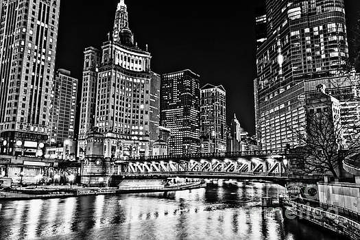 Chicago River Skyline at Night Picture by Paul Velgos