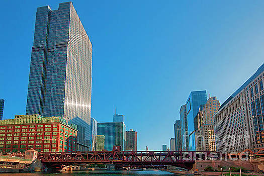Chicago River Wells St Bridge JELE2966 by Tom Jelen