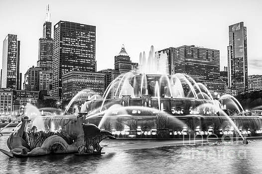 Paul Velgos - Chicago Skyline Black and White Pic