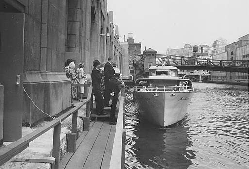 Chicago and North Western Historical Society - Sunliner at Dock - 1962