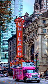 Chicago Theater by Wayne Moran