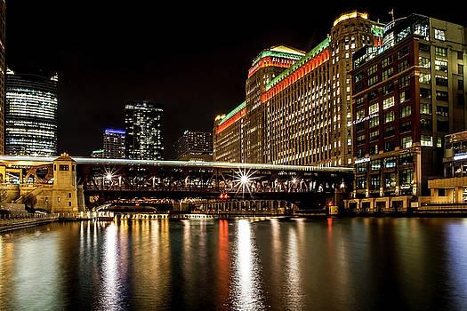 Chicago's Merchandise Mart at night by Sven Brogren