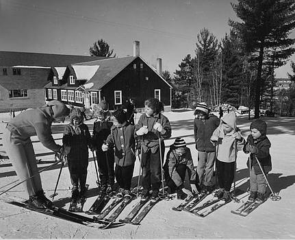 Chicago and North Western Historical Society - Children Learn to Ski - 1959