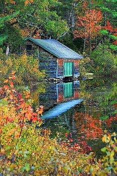 Chocorua Boathouse by Brian Pflanz