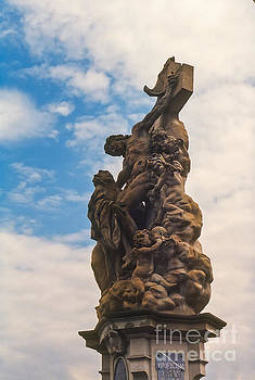 Bob Phillips - Christ on the Cross