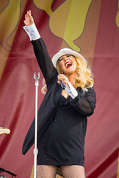 Christina Aguilera Jazz fest by Terry Finegan