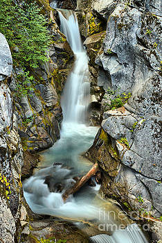 Adam Jewell - Christine Falls In The Canyon