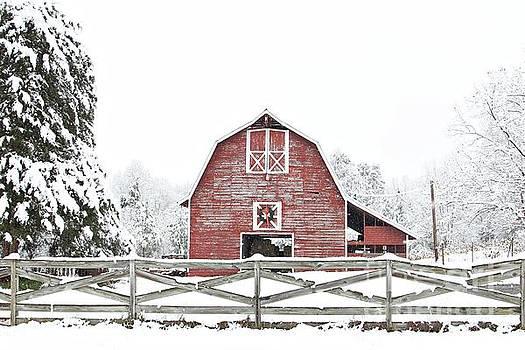 Christmas Barn by Benanne Stiens