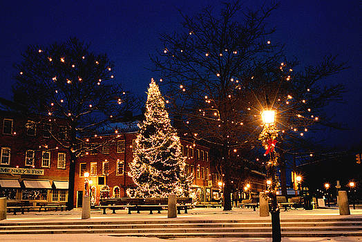 Christmas in New England by Lee Yeomans