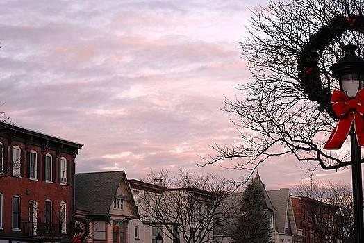 Christmas on Main Street by Peter  McIntosh