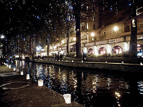 Christmas on the River Walk by Linda Unger