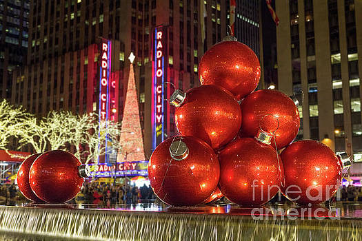 Christmas Ornaments NYC by Jerry Fornarotto