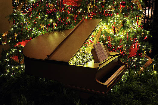 Christmas Piano 01 by Tim Stringer