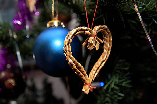 Christmas Tree Decoration by Tamara Sushko