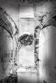 Christmas Wreath In Winter by Jennifer Kelly