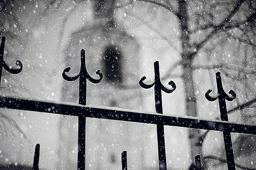 Jenny Rainbow - Church Fence. Snowy Days in Moscow