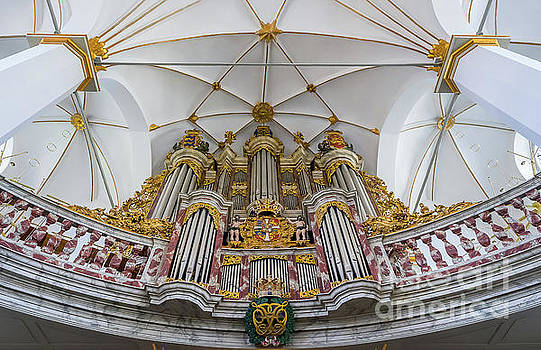 Church organ with gold ornament by Vyacheslav Isaev