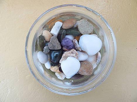 Circle in glass, stones, shells by Galina Todorova