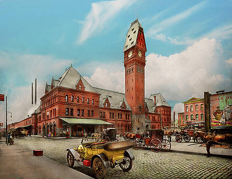 Mike Savad - City - Chicago Ill - Dearborn Station 1910