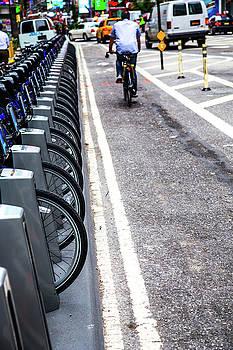 Karol Livote - City Cycling