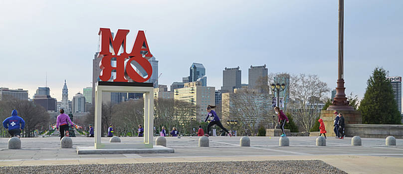 City Life - The Philadelphia Art Museum by Bill Cannon