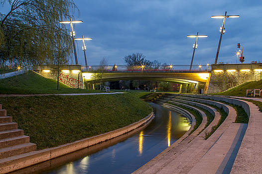 Vyacheslav Isaev - CityScape with bridge