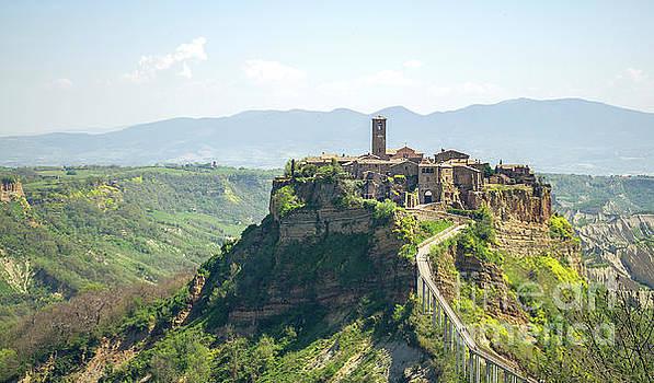 Civita di Bagnorezio Lazio landscape viterbo italy by Luca Lorenzelli