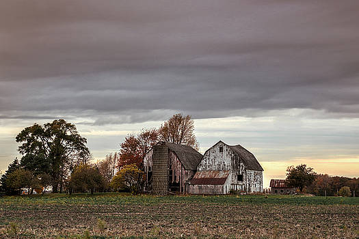 Classic Barn in Ohio by Mary Pat Collins