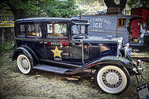 Venetia Featherstone-Witty - Classic Vintage Argentine Police Car