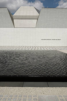 Reimar Gaertner - Clean abstract lines of the Aga Khan Museum facade with black po