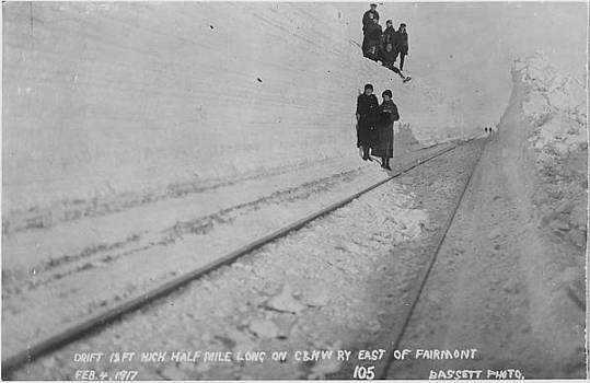 Chicago and North Western Historical Society - Clearing Half-Mile Snow Drift - 1917