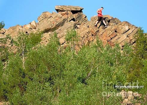 Tami Quigley - Climb That Mountain