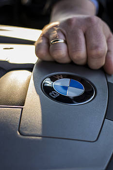 Newnow Photography By Vera Cepic - Close up of a sign of BMW 750Li e66