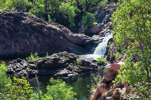 Close-up view from above at Edith Falls, Top End, Australia. by Daniela Constantinescu