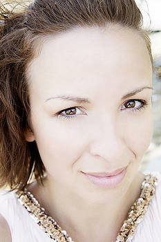 Newnow Photography By Vera Cepic - Closeup portrait of a beautiful woman