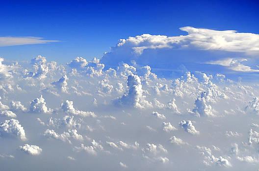 Bliss Of Art - Cloud statues