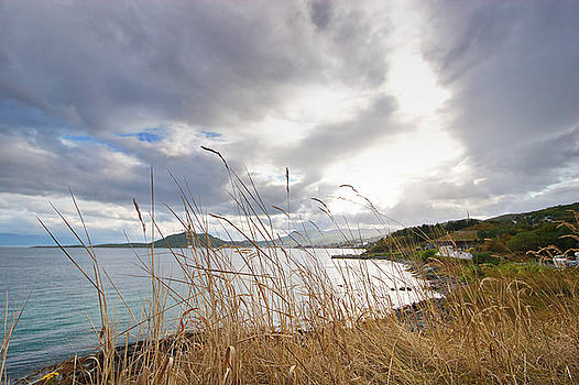 Clouds are gathering over the coast near Harstad  by Intensivelight