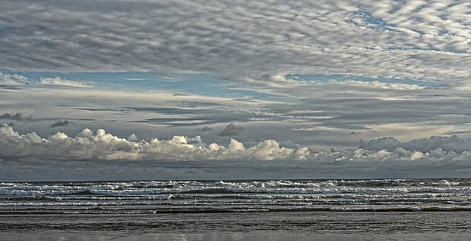 Chris Honeyman - Clouds off Ninety Mile Beach, New Zealand 2014