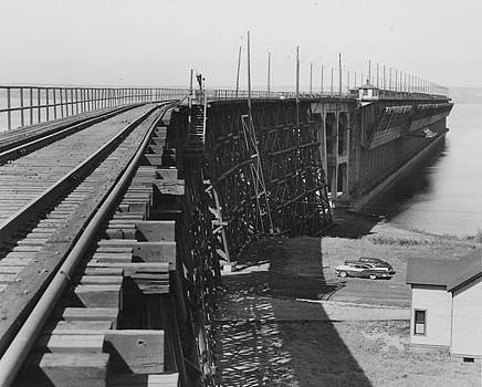 Chicago and North Western Historical Society - Coastal View of Ore Dock