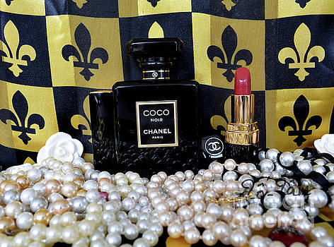 Coco Noir Chanel by To-Tam Gerwe
