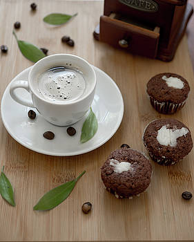 Coffee and three muffins  by Julian Popov