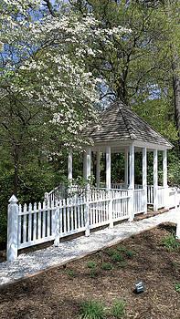 Colonial Springtime by Liza Eckardt